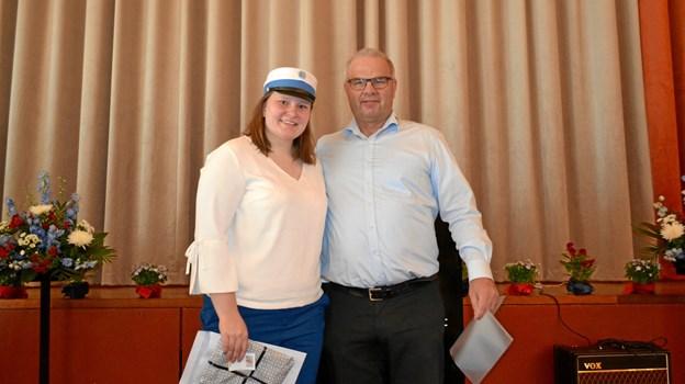 Årets ambassadør Liva Berner Helvig fra 2.U og og Ken Poulsen, Sparekassen Vendsyssel.Privatfoto