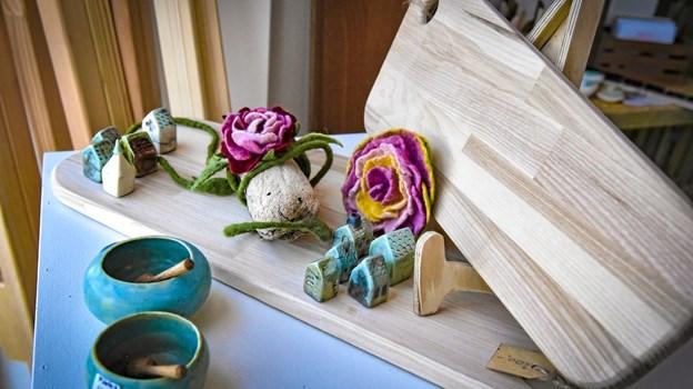 Træ og keramik. Foto: Ole Iversen Ole Iversen