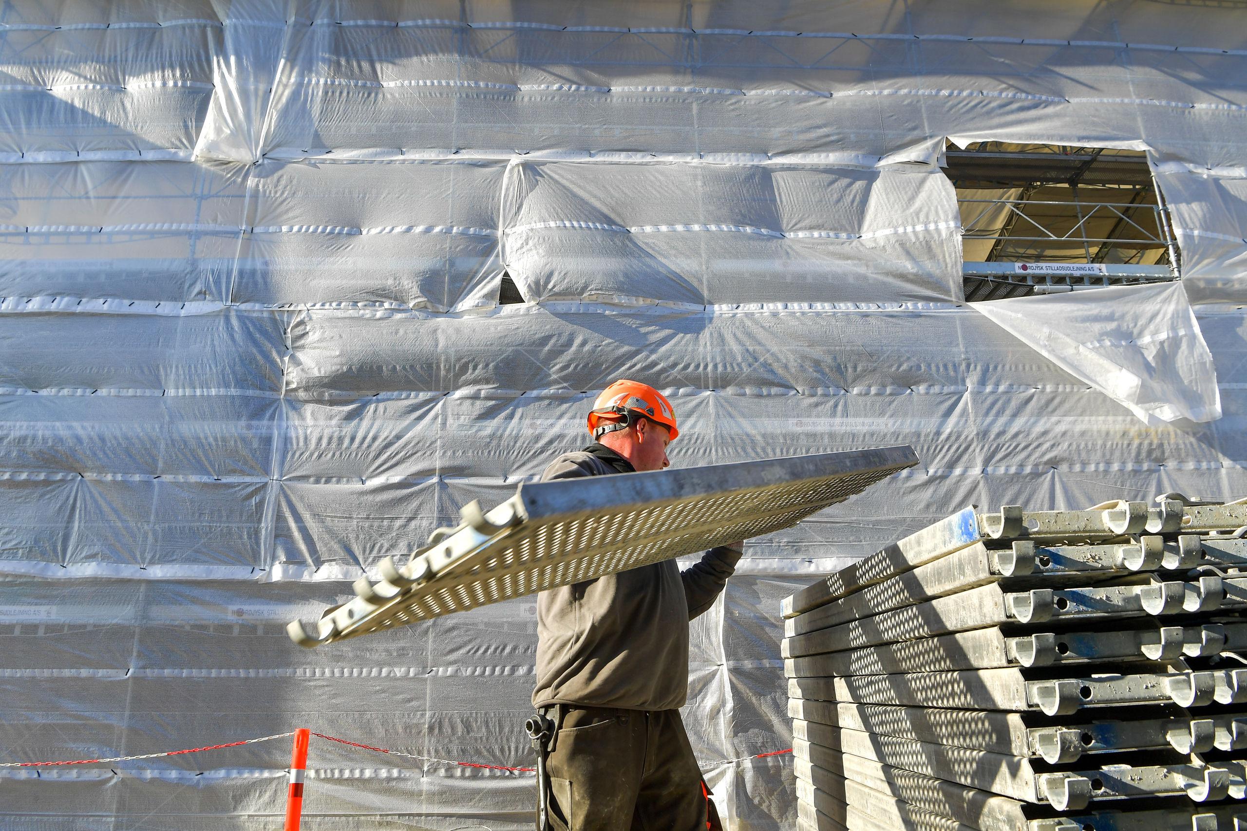 Det er blandt andet inden for bygge- og anlægs-området, at der bliver skabt flere job. Arkivfoto: Jesper Thomasen