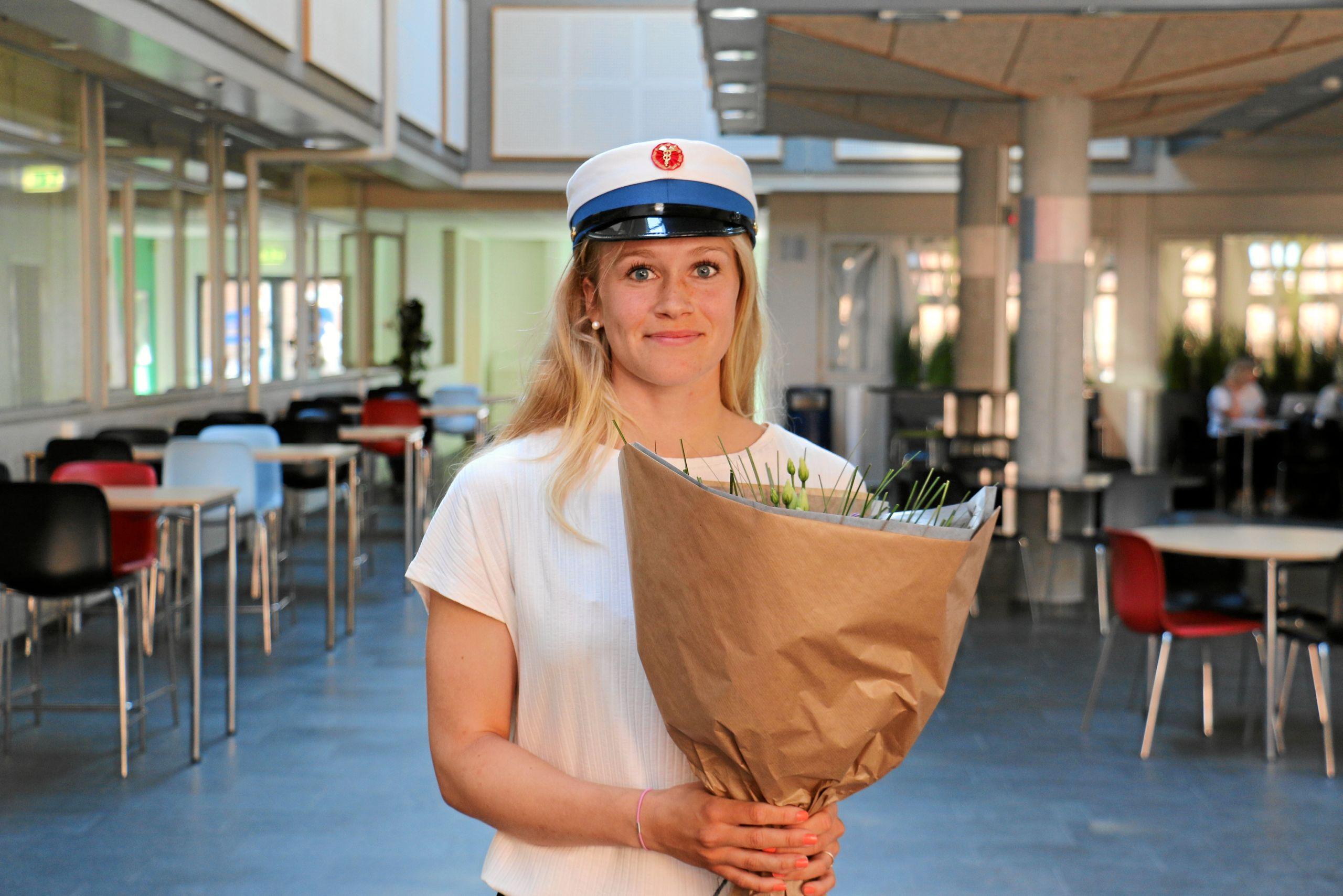 Golfspilleren Daisy Nielsen blev årets første HHX-student. Foto: Aalborg Handelsgymnasium