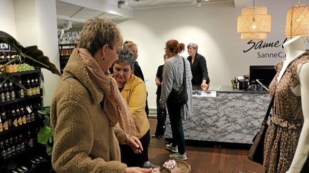 Der var god gang i handlen på åbningsdagene hos Sanne C. Foto: Tommy Thomsen Tommy Thomsen