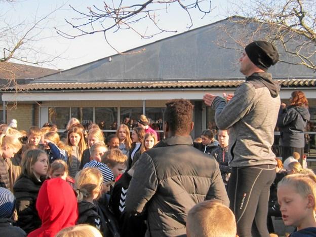 Motionsløbet blev indledt klokken 9 med korte praktiske instrukser lige inden om løbsruten af pædagogisk mellemleder på Terndrup Skole Mikael Drejer.