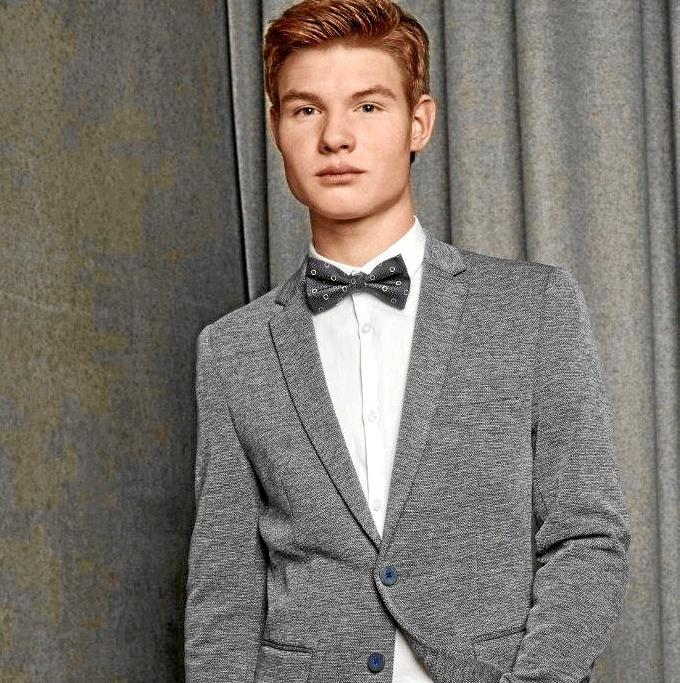Stilfuldt og komfortabelt er årets nøgleord for konfirmandtøjet, som kan ses hos Marcus i Storegade i Thisted.Pressefoto