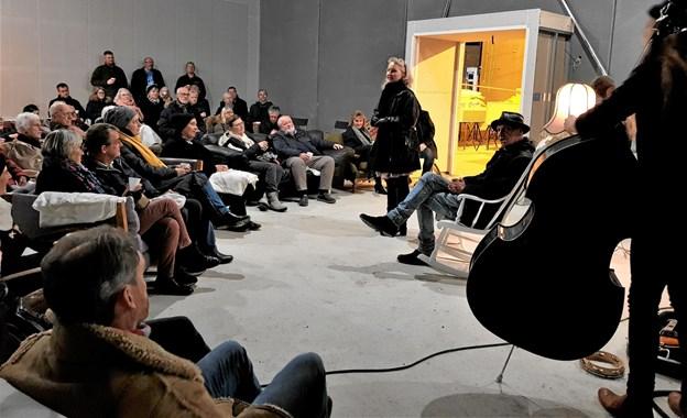 """Byggeriet skrider planmæssigt frem og bliver i løbet af det tidlige forår klar til indflytning. Limfjordsteatret må melde udsolgt til Suppe, Hyg & Byg den 7. februar. Til gengæld arrangeres """"ekstra-forestilling"""" den 7. marts, hvor der igen loves masser af hygge, en portion suppe garneret med god musik og overraskelser – og så en rundvisning i det nye teaterbyggeri på Limfjordsvej 95. Privatfoto"""