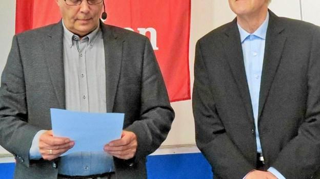 Der var hæder til afgående bestyrelsesmedlem Kaj Larsen efter 32 år i bestyrelsen. Foto: Kirsten Olsen Kirsten Olsen