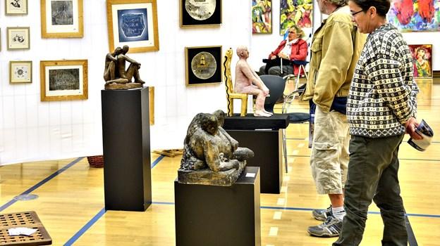 Lions Klub Vrå har også tidl. lavet kunstmesse. Snart står et loppemarked for døren.Arkivfoto: Bent Bach