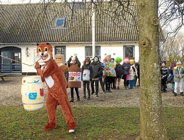 Mens de voksne holdt årsmøde, slog børnene hos DDS i Støvring katten af tønden i weekenden. Privatfoto