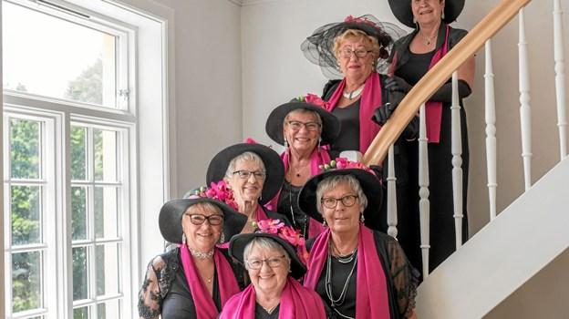 Tårs Syngepiger er garanter for sprudlende og livsbekræftende underholdning. Foto: Niels Helver Niels Helver