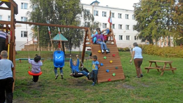 Det russiske børnehjem i landsbyen Podborki har tidligere fungeret som militærkasserne.