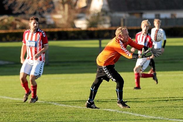 UB-keeper Torben Larsen havde godt tag i gæsternes forsøg. Foto: Allan Mortensen