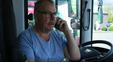 Nu vil Slagter Ole køre turistbus: Se om han består køreprøven