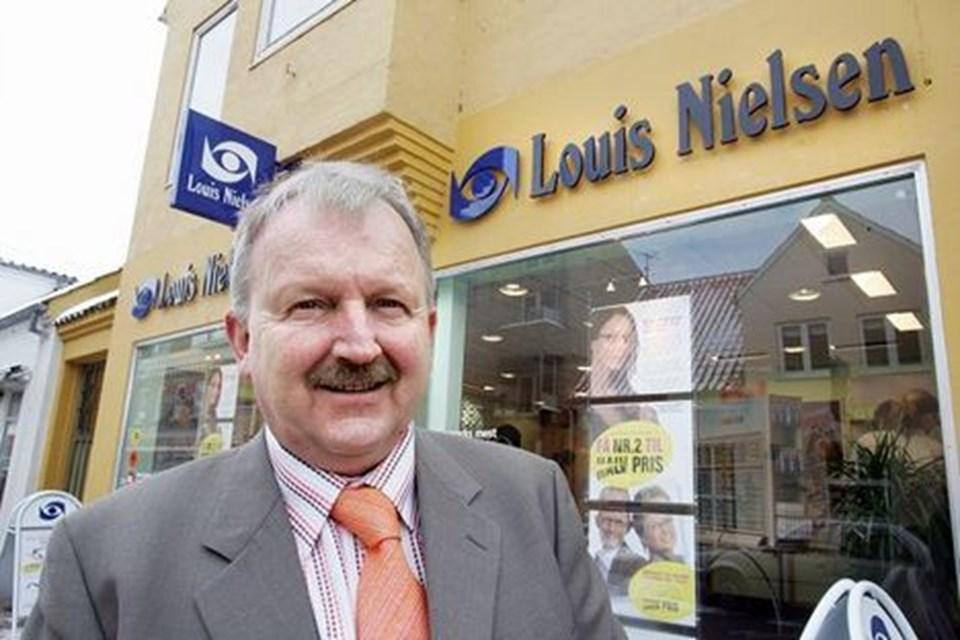 77719d35bce9 Det var en god forretning for den nordjyske optiker Louis Nielsen at sælge  sine forretninger. arkivfoto Henrik Louis