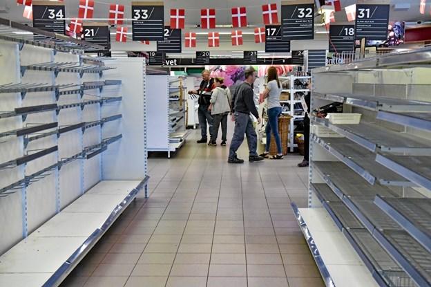 Tirsdag var det sidste dag i MENY i Hurup. Enkelte kunder var dog stadig på 70 procents tilbudsjagt. Foto: Ole Iversen