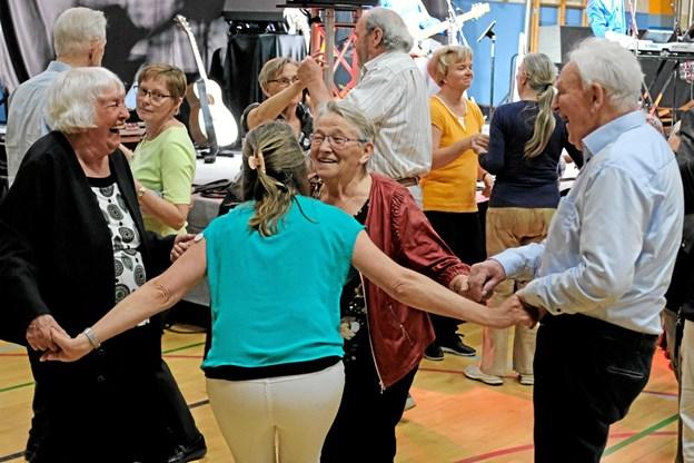 Det var ikke til at tage fejl af. De ældre nød dagen og den iørefaldende musik. Der var smil, latter og glæden lyste ud af øjnene Foto: Niels Helver Niels Helver