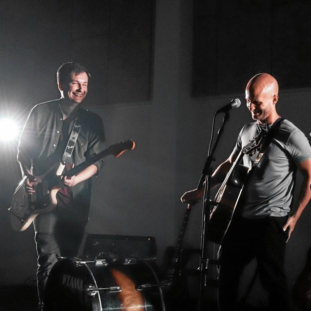 """Der vil blandt andet være underholdning med """"Rogers"""" - et band, der med Kenneth Rogers i spidsen."""
