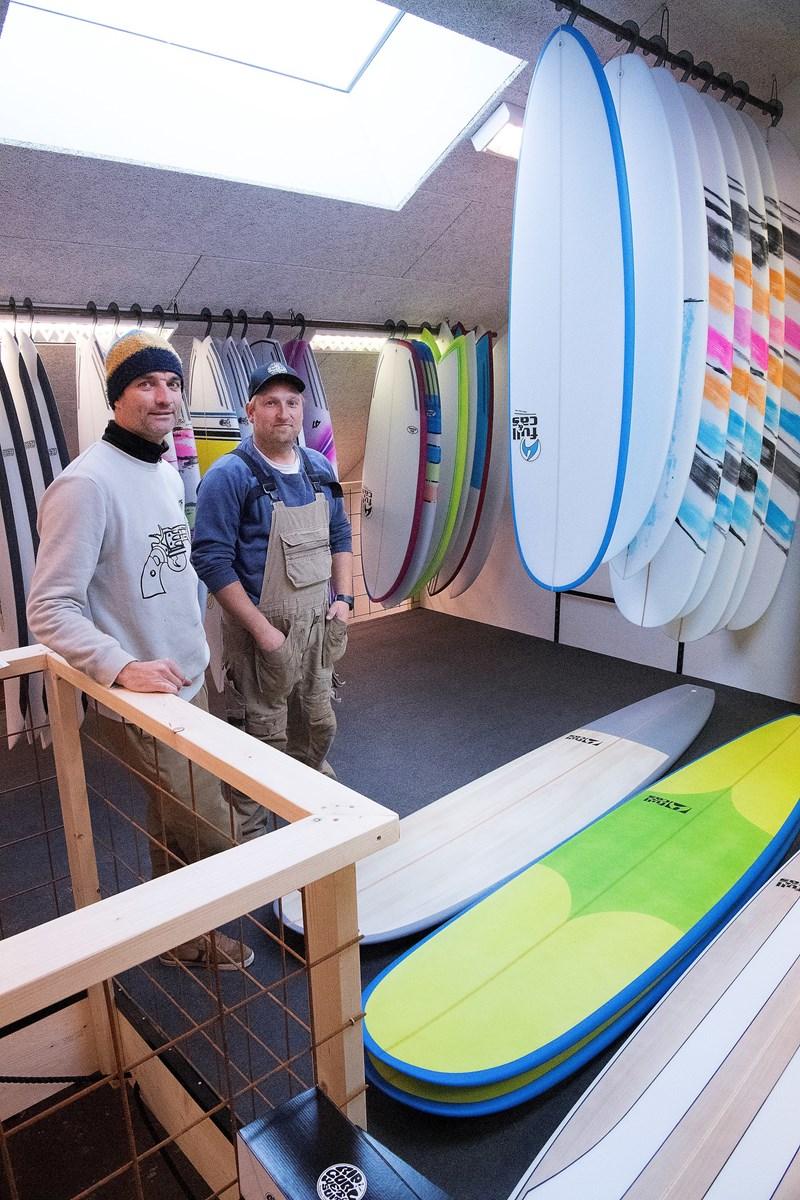 De to mænd bag butikken Klaus Sørensen (tv) og Rasmus Fejerskov. Foto: Peter Mørk