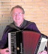 Ole Sommer - spiller og synger mandag eftermiddag i Biecentret. Privatfoto