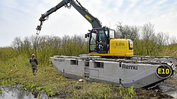 Remu Big Float kan komme de steder hvor andre ville synke ned i sumpen. Her ved Trædegårdsgrøften nord for Vesløs.Foto: Ole Iversen