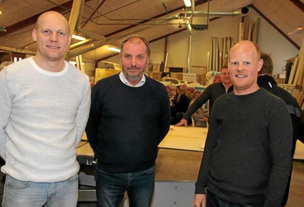 Carsten Bech Christensen i midten sammen med de to nye medejere af firmaet Michael Frost og Kenneth Frost. ?Foto: Flemming Dahl Jensen