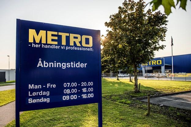 Det er knap fire år siden, at Metro rykkede ud af bygningerne - i mellemtiden har Davidsen Tømmerhandel ejet dem med henblik på at åbne en tømmerhandel. Det blev opgivet, og ejendommen sat til salg igen.Arkivfoto