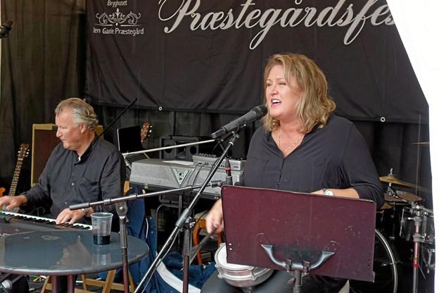 Kjellsen Bandet med Janne Kjellsen og Per Olav Andersen fornøjede publikum med skønne jazztoner. Foto: Niels Helver