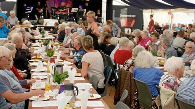 Harmonikatræffet samler i løbet af weekenden 300 besøgende om dagen, og det hele slutter søndag med fælles morgenkaffe og afskedssang. Foto: Jammerbugt Harmonikatræf