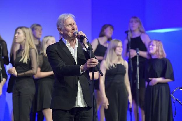 Steffen Brandt har været i Hobro for at øve med koret op til onsdagens koncerter.  Foto: Bente Poder