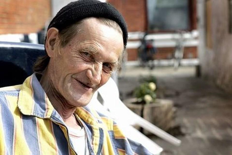 Lars Peter Rasmussen er en af dem, der af og til får en stille pils i Varmestuen. arkivfoto: kim dahl hansen