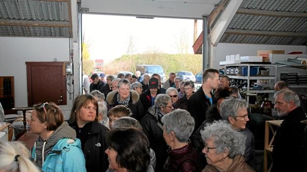 Der er igen utrolig mange besøgende til loppemarkedet i Saltum. Foto: Flemming Dahl Jensen Flemming Dahl Jensen