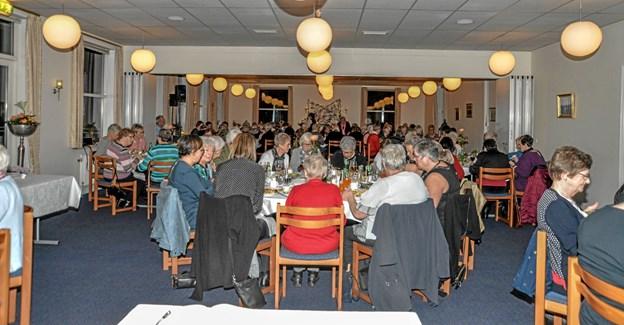 Ca. 100 medlemmer var mødt til generalforsamlingen i Nutidens Kvinder i Pavillon Christiansminde. Foto: Mogens Lynge