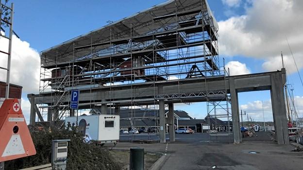 Stilladset var en forudsætning for, at det omfattende renoveringsarbejde kunne udføres. Foto: Havnens Venner