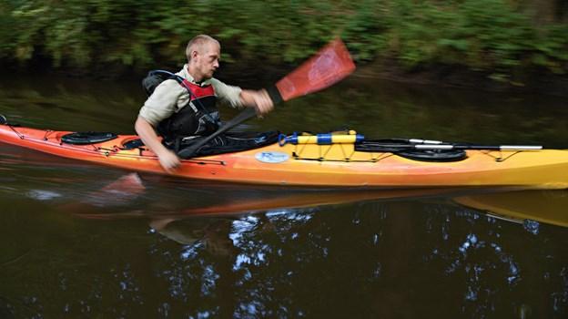 Jonas Taasti Rømer fra Jerslev siger, at han også ror på åen om vinteren. Foto: Bent Bach BENT BACH