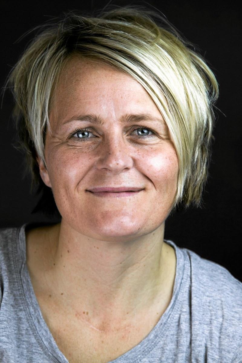 Rikke Nielsen holder foredrag på Hjørring Bibliotek.Foto: PR-foto
