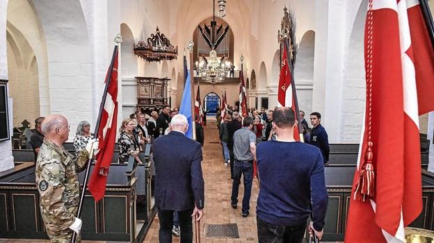 Efter en lille times ceremoni blev fanerne båret ud. Foto: Ole Iversen