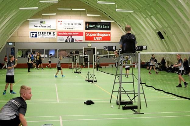 Efter seks timer med god ungdomsbadminton i Sæby Badmintonhal kunne kommunemestrene kåres Foto: Tommy Thomsen