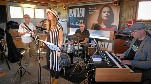 Organic 3 med Jazzy Days formanden ved tangenterne og Kira Martini i den vokale forgrund.Privatfoto