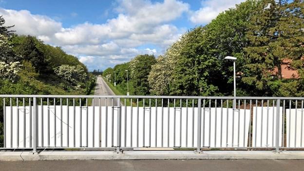 Også på Højbro i Nykøbing har der længe været pyntet med valgplakater. ?Foto: Morsø Kommune.