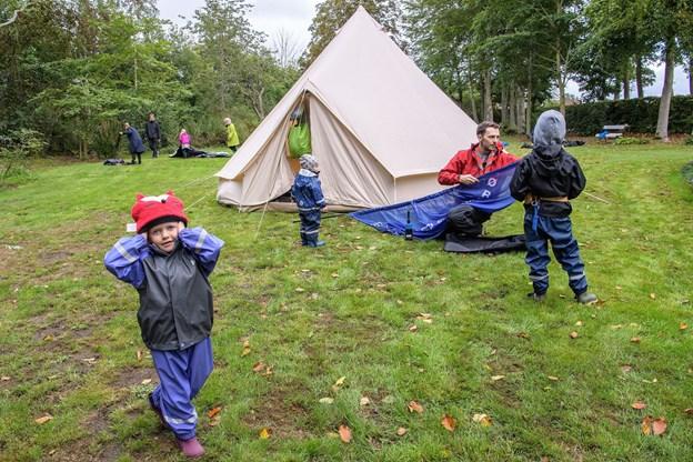 Omkring 30 børn og voksne deltog.Foto: Peter Broen