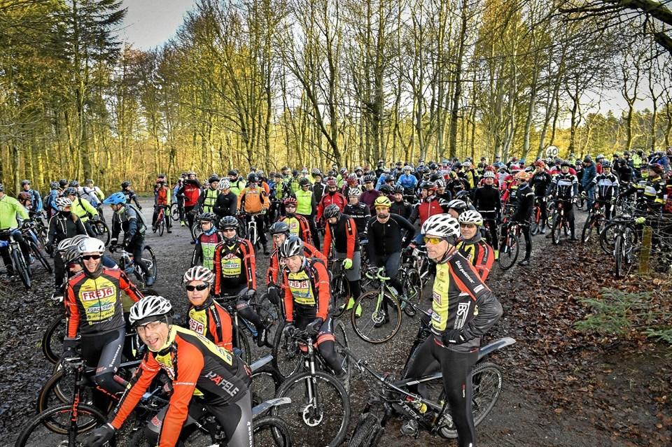 200 ryttere var det maksimale antal der kunne deltage i følge tilladelsen. Arrangøren kunne nemt have solgt 100 flere billetter.Foto: Ole Iversen Ole Iversen