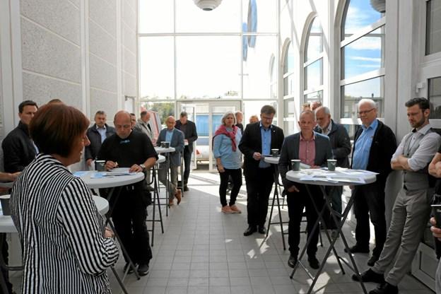 30 af Sæby Erhvervsforenings medlemmer lyttede interesseret til hvordan ECO-Locaxion har udviklet verdens første CO2 nul colocation datacenter. Foto: Tommy Thomsen Tommy Thomsen