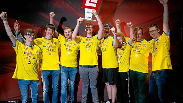 Med DM-titlen i Odense har League of Legends-holdet fra Hobro nu sikret sig mulighed for at repræsentere Danmark ved VM i Sydkorea. Privatfoto Rasmus Kortegaard