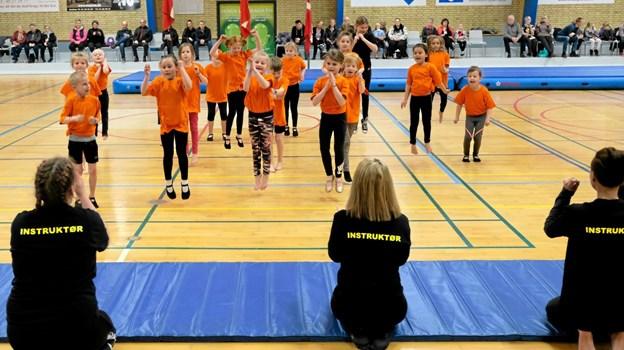 Krudtuglerne viste både rytmisk gymnastik på gulv og spring. Foto: Niels Helver Niels Helver