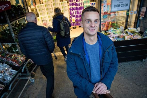 Rasmus Aarhøj stiftede bekendtskab med Coop - dengang FDB - i 1997 hvor han blev ansat i den butik, som han nu bliver førstemand for. Foto: Bo Lehm © Bo Lehm