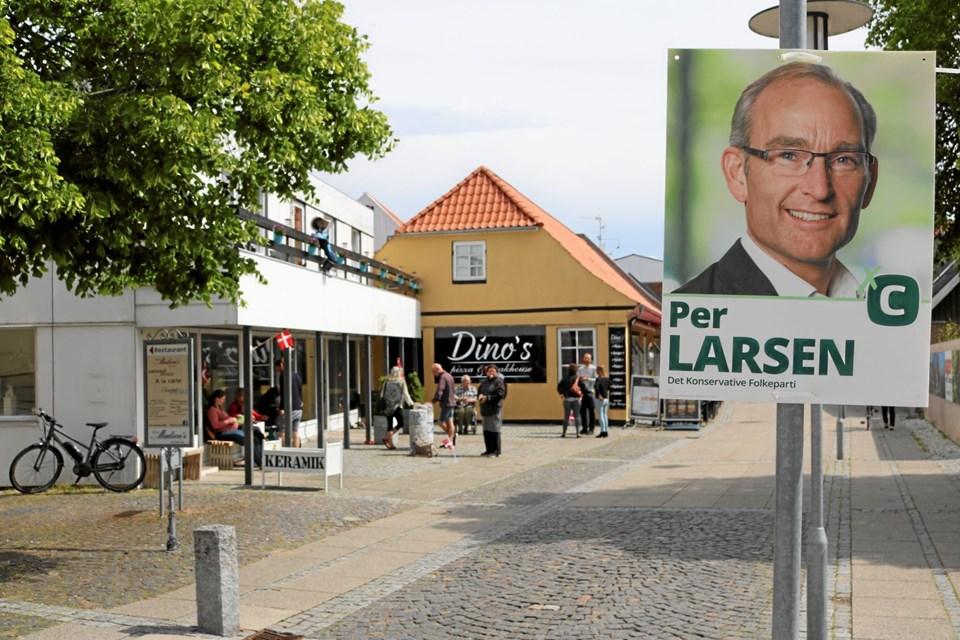 Det nyvalgte folketingsmedlem Per Larsen, har på gunstige vilkår, udlejet lokalerne i bygningen til venstre hvor Galleri Siv har til huse. Foto: Tommy Thomsen Tommy Thomsen