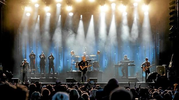 Lars Lilholt Band havde de kendte numre med, som publikum kender og kan synge med på. Foto: Peter Jørgensen Peter Jørgensen