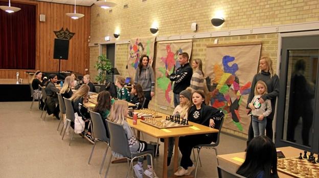 Mange forældre følger deres børn i konkurrencen. Foto: Flemming Dahl Jensen Flemming Dahl Jensen