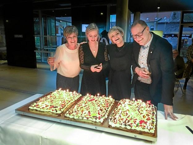Henrik med sin hustru Karen Vind samt døtrene Anna og Sofie.
