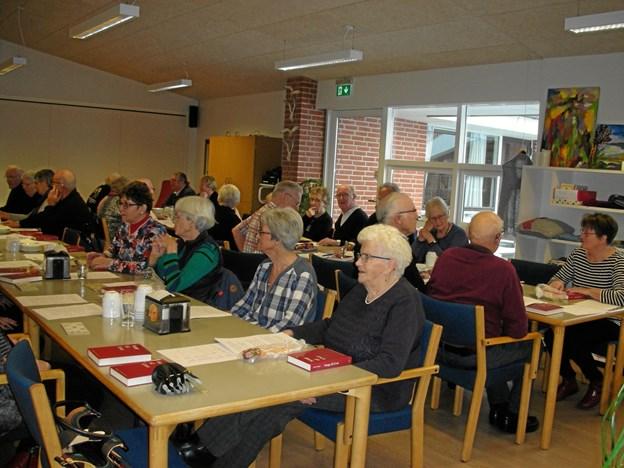 35 medlemmer var i denne omgang mødt frem til generalforsamling i Rørbæk-Grynderup-Stenild Seniorer. Privatfoto