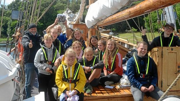 Da Blå Kors' skib Agape sidste år satte til søs, fik de unge mennesker et par dage på bølgen blå, hvor stemningen var i topform. ?Foto: Blå Kors Danmark