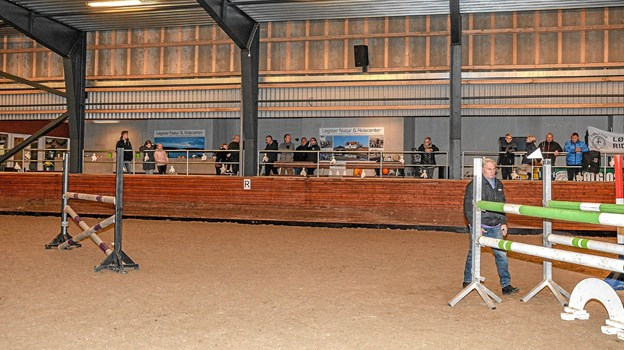 Der er tit mange tilskuere på træningsaftnerne, hvor der også er fællesspisning. Foto: Mogens Lynge
